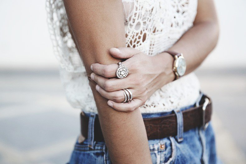 Mulafest-Lace_Top-Levis_Vintage-Maje_Sandals-Urban_Outfitters_Bag-Outfiit-Summer-29