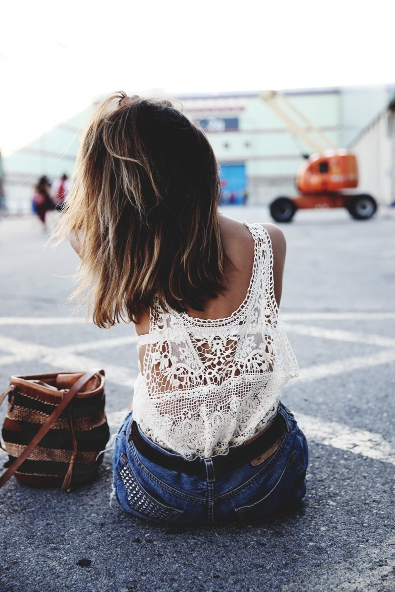 Mulafest-Lace_Top-Levis_Vintage-Maje_Sandals-Urban_Outfitters_Bag-Outfiit-Summer-7