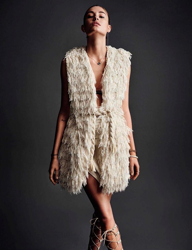 Nadja_Bender-Vogue_Spain-July_2015-Editorial-Magazine-12