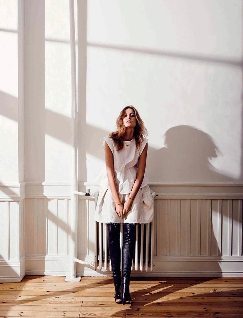 Nadja_Bender-Vogue_Spain-July_2015-Editorial-Magazine-14