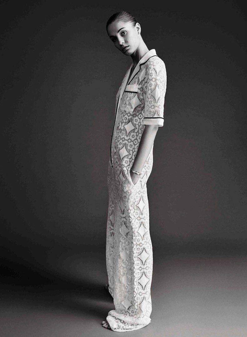 Nadja_Bender-Vogue_Spain-July_2015-Editorial-Magazine-2
