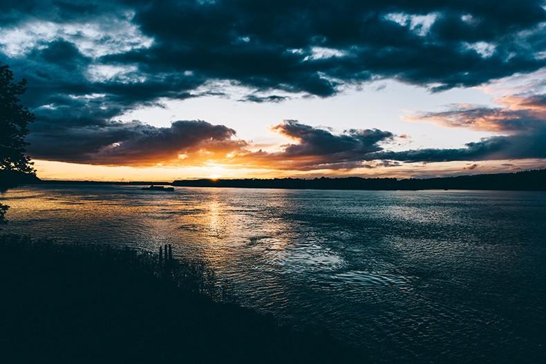 Oregon-Multnomah_Falls-Khaki_Jumpsuit-Denim_Jacket-Lace_Up_Espadrilles-Outfit-Collage_On_The_Road-2