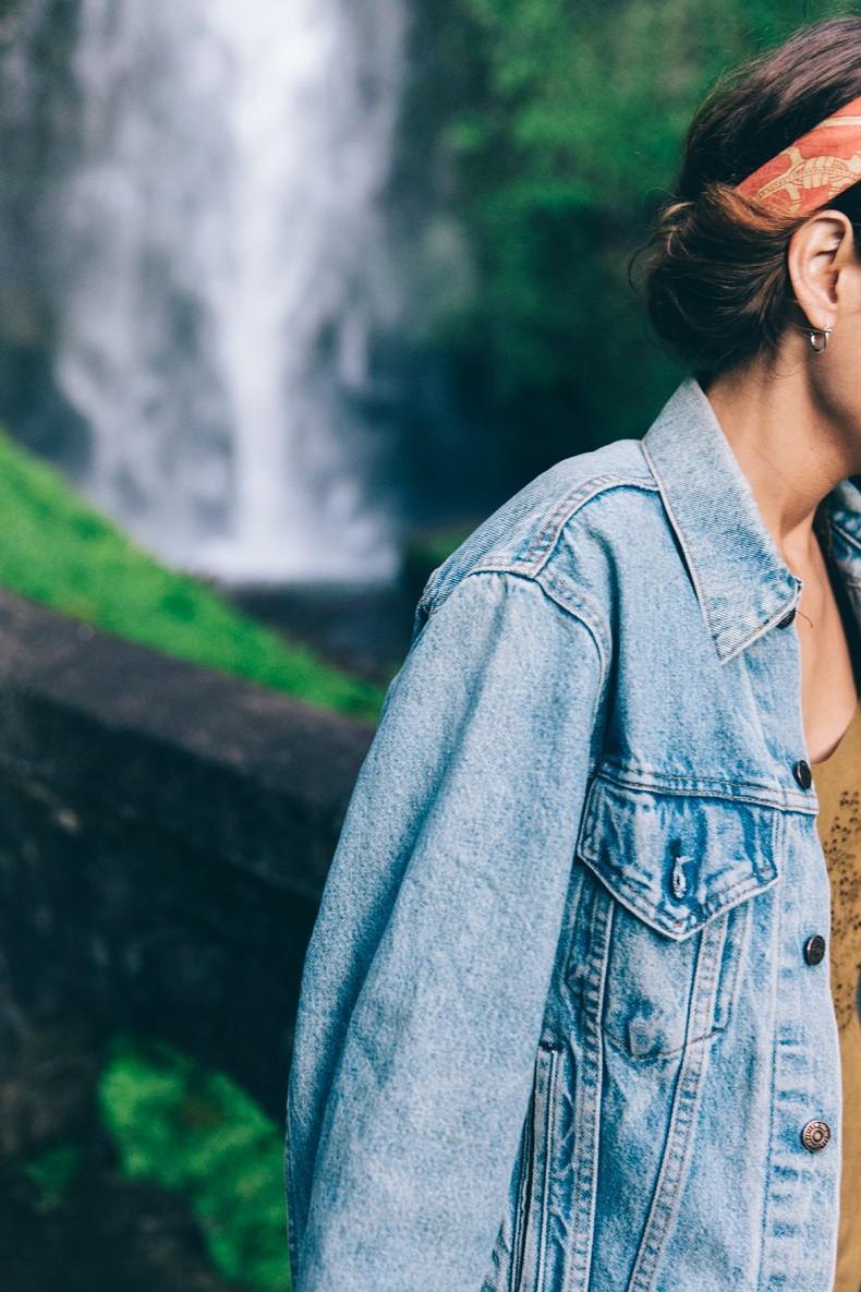 Oregon-Multnomah_Falls-Khaki_Jumpsuit-Denim_Jacket-Lace_Up_Espadrilles-Outfit-Collage_On_The_Road-21