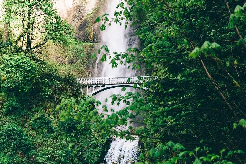 Oregon-Multnomah_Falls-Khaki_Jumpsuit-Denim_Jacket-Lace_Up_Espadrilles-Outfit-Collage_On_The_Road-31