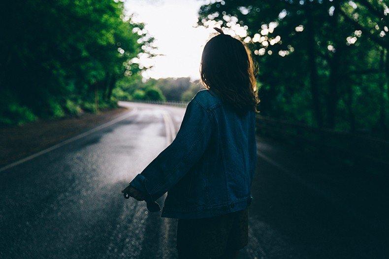 Oregon-Multnomah_Falls-Khaki_Jumpsuit-Denim_Jacket-Lace_Up_Espadrilles-Outfit-Collage_On_The_Road-34