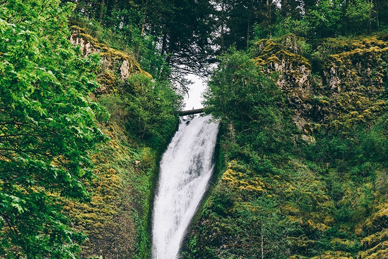 Oregon-Multnomah_Falls-Khaki_Jumpsuit-Denim_Jacket-Lace_Up_Espadrilles-Outfit-Collage_On_The_Road-70
