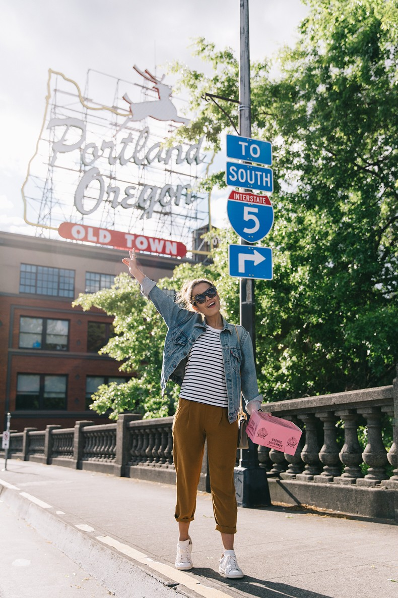 Portland-Striped_Top-ISabel_Marant_Sneakers-Denim_Jacket-Collage_on_The_Road-Street_Style-Usa_Road_Trip-17