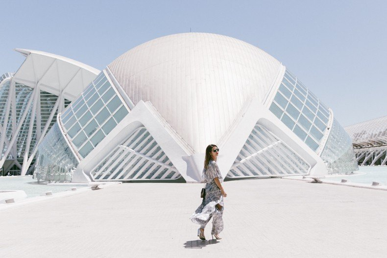 Tomorrowland-Valencia-Maje-Long_Dress-Snake_Bag-Silver_Sandals-Outfit-Street_Style-15