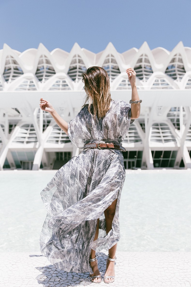 Tomorrowland-Valencia-Maje-Long_Dress-Snake_Bag-Silver_Sandals-Outfit-Street_Style-21