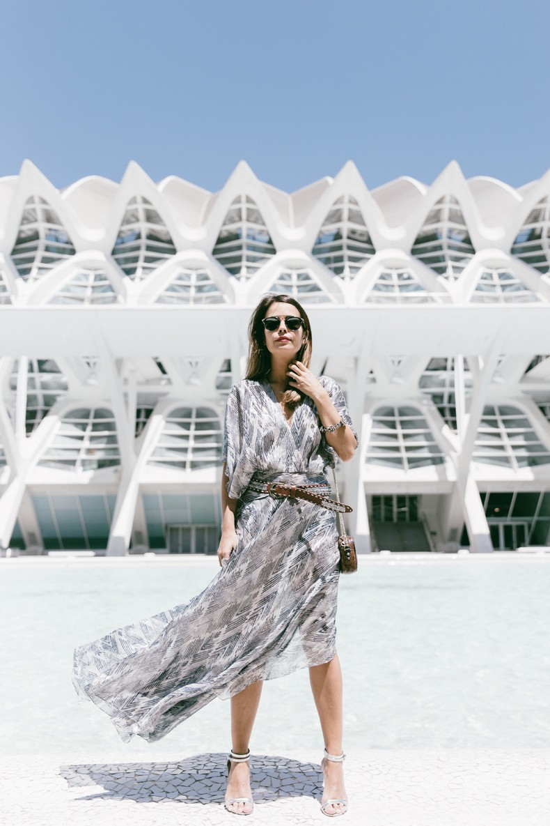 Tomorrowland-Valencia-Maje-Long_Dress-Snake_Bag-Silver_Sandals-Outfit-Street_Style-28