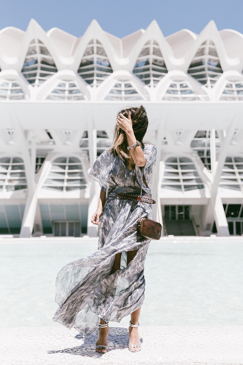 Tomorrowland-Valencia-Maje-Long_Dress-Snake_Bag-Silver_Sandals-Outfit-Street_Style-31