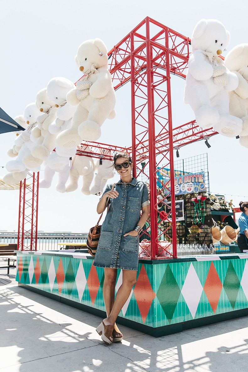 BoardWalk-Santa_Cruz-Denim_Dress-Topshop-Suede_Clogs-Street_Style-Outfit-2