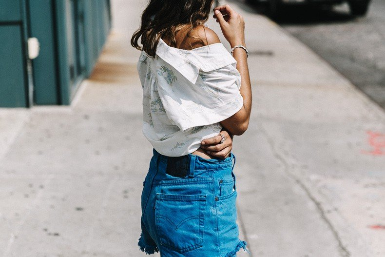 High_Line_Park-NYC-Levis-Shirt-Off_The_Shoulders-Live_on_Levis-New_York-Collage_Vintage-Outfit-Soludos_Espadrilles-12
