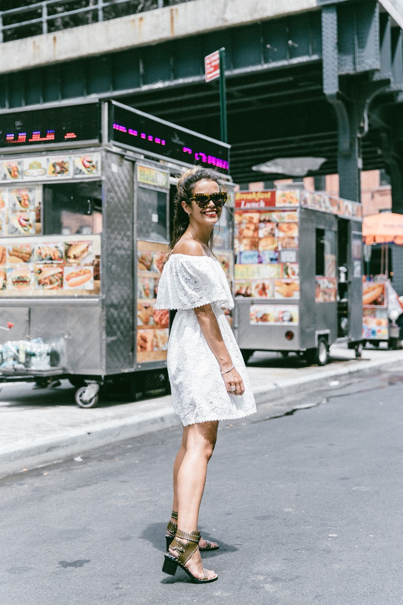 New_York-Off_The_Shoulders-Lace_Dress-Chicwish-Outfit-Wavy_Hair-Outfit-Street_Style-White_Dress-Collage_VIntage-15