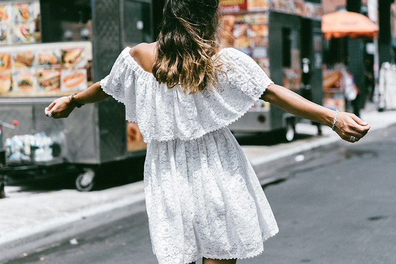 New_York-Off_The_Shoulders-Lace_Dress-Chicwish-Outfit-Wavy_Hair-Outfit-Street_Style-White_Dress-Collage_VIntage-3