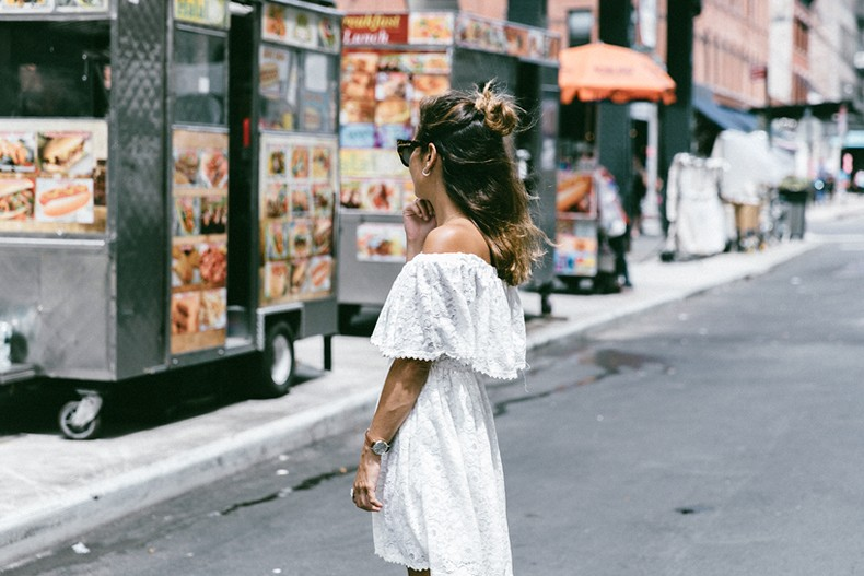 New_York-Off_The_Shoulders-Lace_Dress-Chicwish-Outfit-Wavy_Hair-Outfit-Street_Style-White_Dress-Collage_VIntage-4