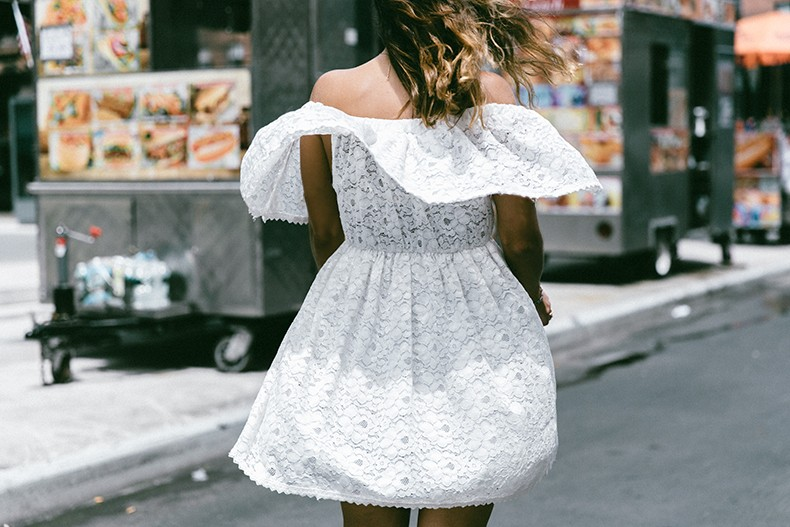 New_York-Off_The_Shoulders-Lace_Dress-Chicwish-Outfit-Wavy_Hair-Outfit-Street_Style-White_Dress-Collage_VIntage-5