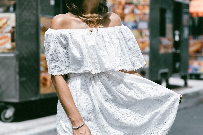 New_York-Off_The_Shoulders-Lace_Dress-Chicwish-Outfit-Wavy_Hair-Outfit-Street_Style-White_Dress-Collage_VIntage-6