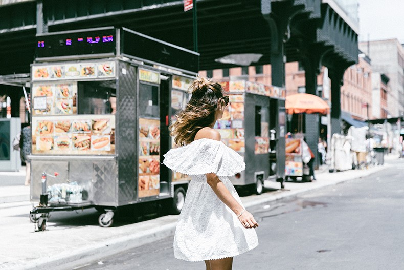 New_York-Off_The_Shoulders-Lace_Dress-Chicwish-Outfit-Wavy_Hair-Outfit-Street_Style-White_Dress-Collage_VIntage-8