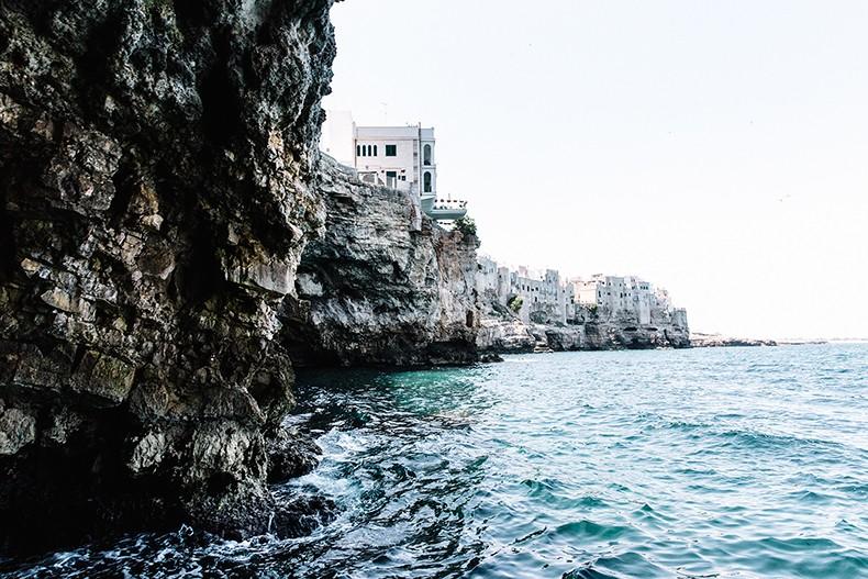 Oysho-Bikini-Puglia-Beach_Outfit-Polignano_A_Mare-1