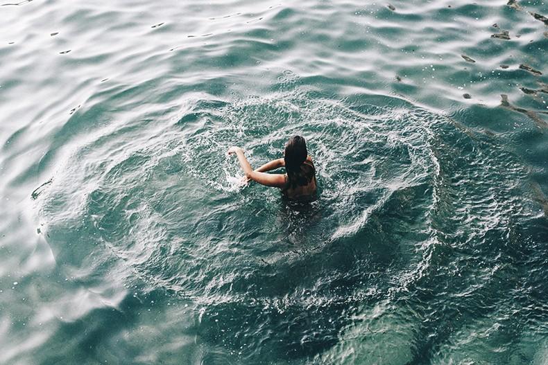 Polignano_A_Mare-Cala_Porto-Maje_Swimsuit-Ray_Ban-Floral_Headbanda-Claires_Bracelet-Swimwear-Italy_Road_Trip-21