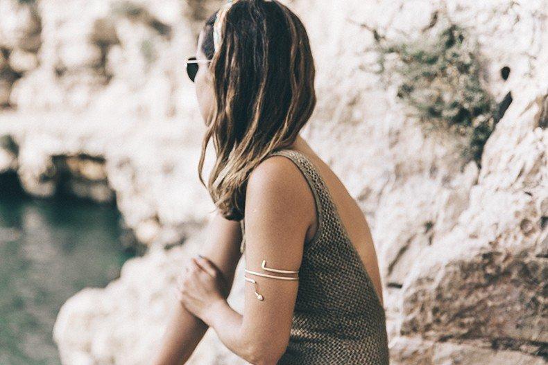 Polignano_A_Mare-Cala_Porto-Maje_Swimsuit-Ray_Ban-Floral_Headbanda-Claires_Bracelet-Swimwear-Italy_Road_Trip-35