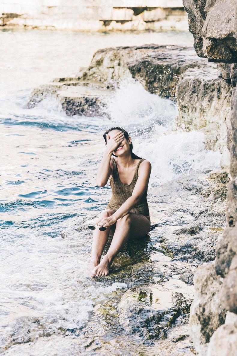 Polignano_A_Mare-Cala_Porto-Maje_Swimsuit-Ray_Ban-Floral_Headbanda-Claires_Bracelet-Swimwear-Italy_Road_Trip-4