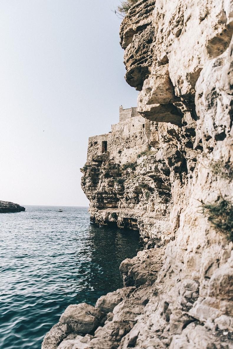 Polignano_A_Mare-Cala_Porto-Maje_Swimsuit-Ray_Ban-Floral_Headbanda-Claires_Bracelet-Swimwear-Italy_Road_Trip-7