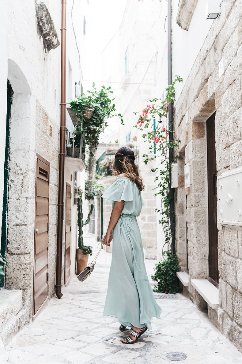 Polignano_A_Mare-Guerlain-Beauty_Road_Trip-Long_Dress-Chole_Bag-Outfit-Street_Style-Italy-11