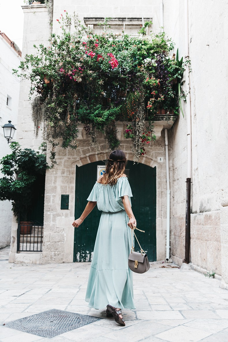 Polignano_A_Mare-Guerlain-Beauty_Road_Trip-Long_Dress-Chole_Bag-Outfit-Street_Style-Italy-2