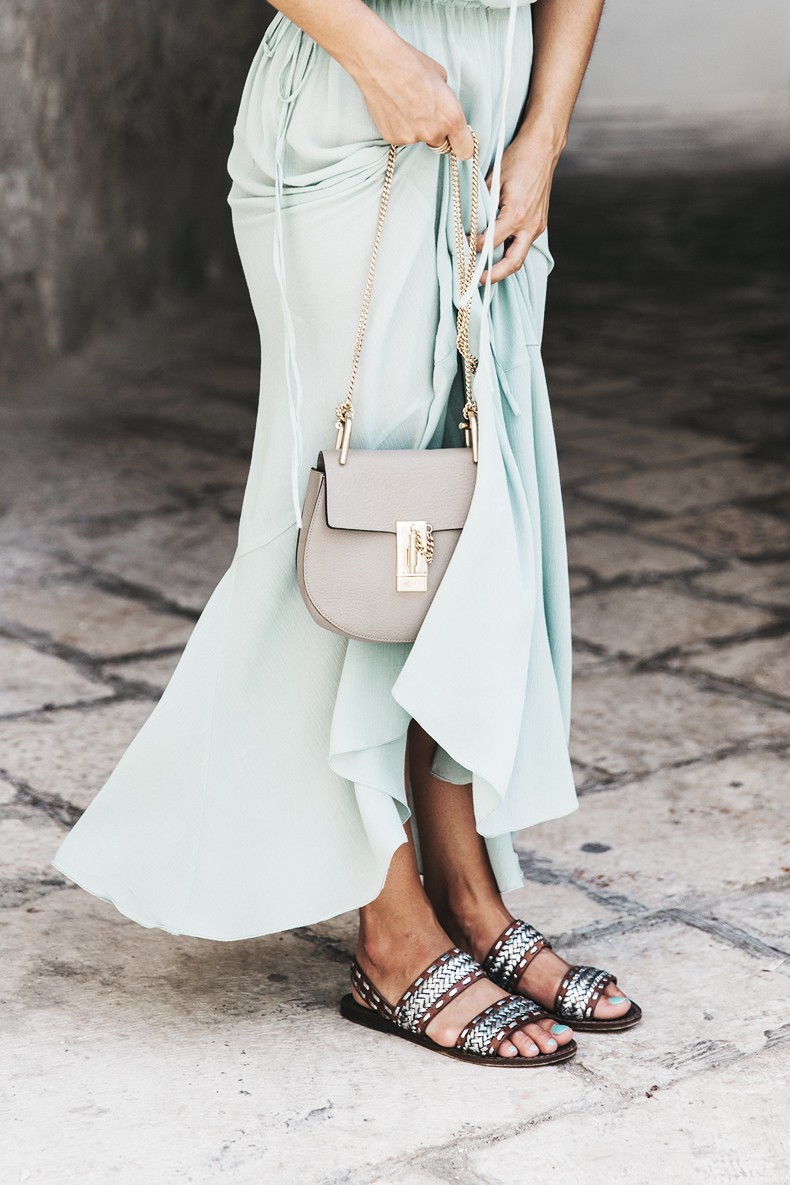 Polignano_A_Mare-Guerlain-Beauty_Road_Trip-Long_Dress-Chole_Bag-Outfit-Street_Style-Italy-33