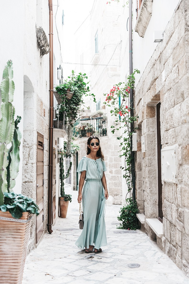 Polignano_A_Mare-Guerlain-Beauty_Road_Trip-Long_Dress-Chole_Bag-Outfit-Street_Style-Italy-9