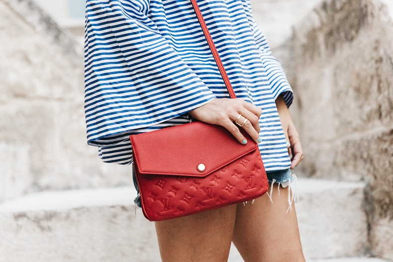 Polignano_A_Mare-Off_The_Shoulders_Top-Striped_Top-Levis-Louis_vuitton_Bag-Isabel_Marant-Shoes-Outfit-Guerlain-ROad_Trip-53