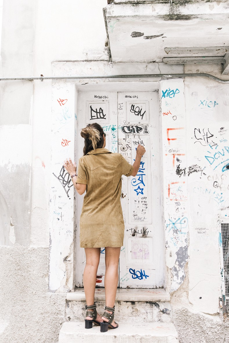 Suede_Dress-Louis_Vuitton_Red_Bag-Monogram.Isabel_Marant_Sandals-Outfit-Street_Style-Conversano-Italy_Road_Trip-2