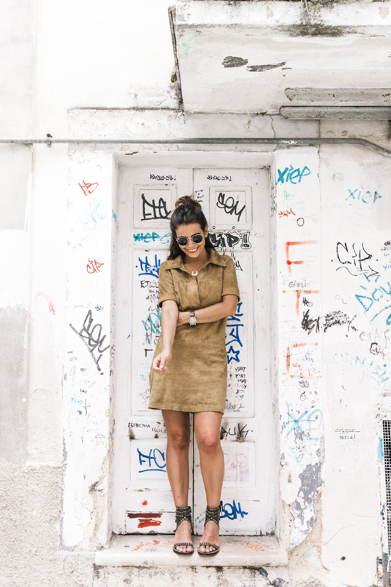 Suede_Dress-Louis_Vuitton_Red_Bag-Monogram.Isabel_Marant_Sandals-Outfit-Street_Style-Conversano-Italy_Road_Trip-3