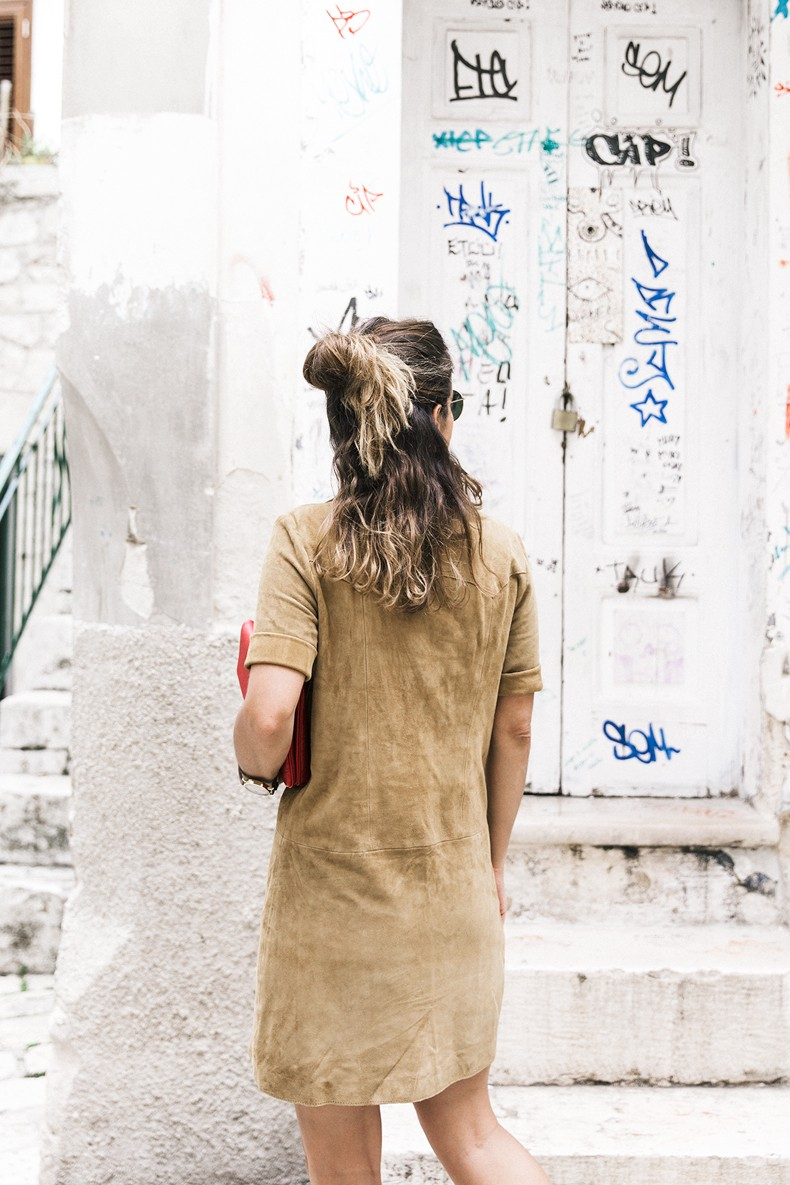Suede_Dress-Louis_Vuitton_Red_Bag-Monogram.Isabel_Marant_Sandals-Outfit-Street_Style-Conversano-Italy_Road_Trip-5