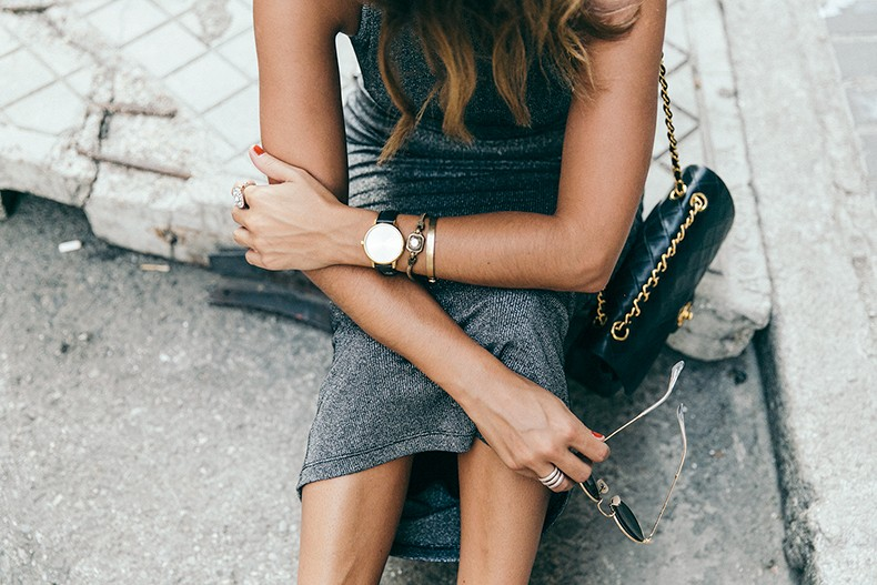Topshop_Vintage_Collection-Silver_Pencil_Dress-Metallic-Lace_Up_Sandals-Open_Back_Dress-Ray_Ban-Chanel_Bag-Outfit-Street_Style-2