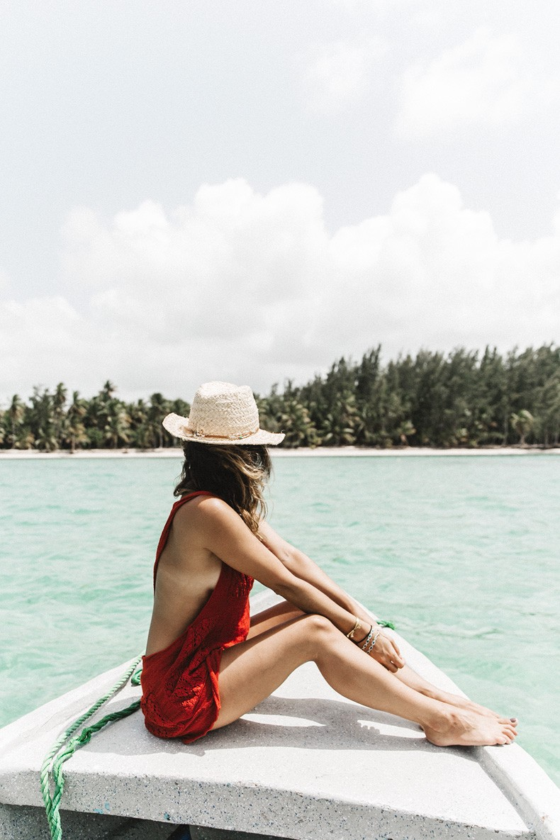 Boat-Jens_Pirate_Booty-Red_Jumpsuit-Outfit-Beach-Punta_Cana-Summer-Collage_On_The_Road-8