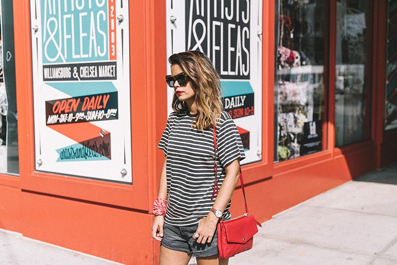 Chelsea_Market-New_York-Outfit-Levis-Live_in_Levis-Striped_Top-Louis_Vuitton_Bag-Collage_Vintage-