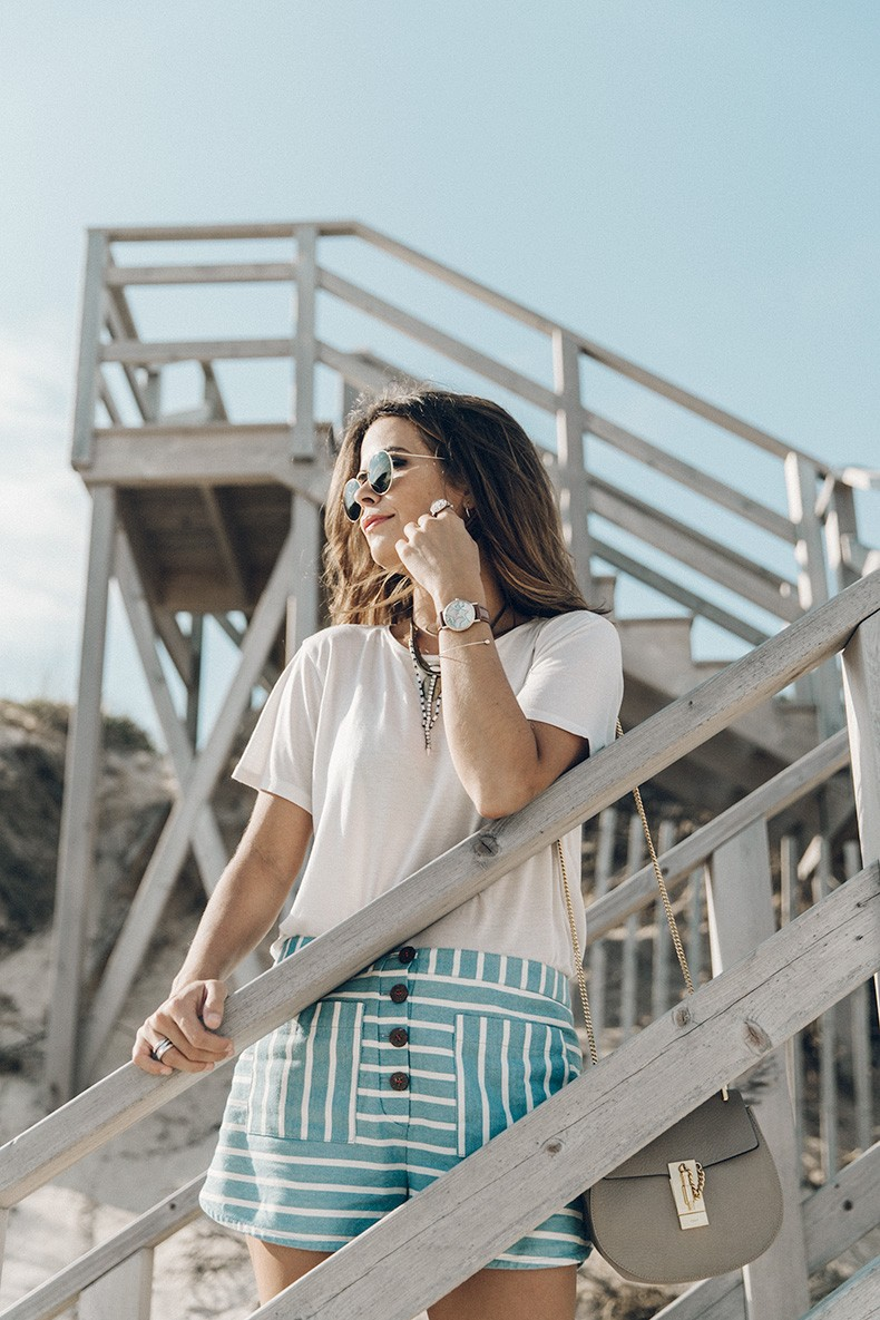 Flying_Point_Beach-The_Hamptons-Striped_Shorts-Saylor_NY-Espadrilles-Beach_Look-Chloe_Girls-Outfit-Revolve_In_The_Hamptons-18