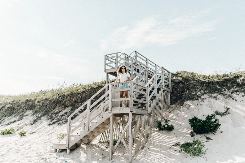 Flying_Point_Beach-The_Hamptons-Striped_Shorts-Saylor_NY-Espadrilles-Beach_Look-Chloe_Girls-Outfit-Revolve_In_The_Hamptons-29