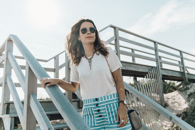 Flying_Point_Beach-The_Hamptons-Striped_Shorts-Saylor_NY-Espadrilles-Beach_Look-Chloe_Girls-Outfit-Revolve_In_The_Hamptons-31