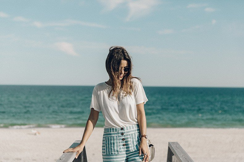 Flying_Point_Beach-The_Hamptons-Striped_Shorts-Saylor_NY-Espadrilles-Beach_Look-Chloe_Girls-Outfit-Revolve_In_The_Hamptons-36