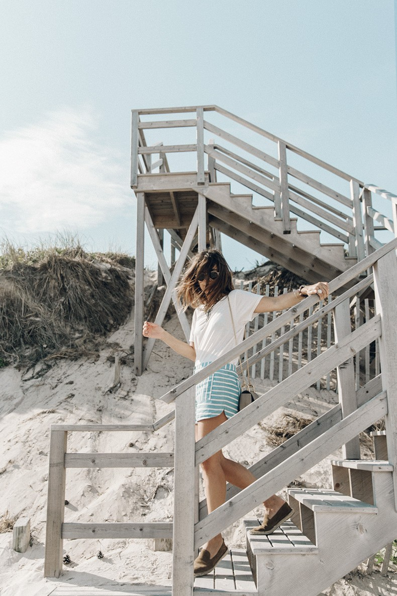 Flying_Point_Beach-The_Hamptons-Striped_Shorts-Saylor_NY-Espadrilles-Beach_Look-Chloe_Girls-Outfit-Revolve_In_The_Hamptons-58