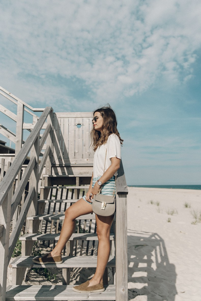 Flying_Point_Beach-The_Hamptons-Striped_Shorts-Saylor_NY-Espadrilles-Beach_Look-Chloe_Girls-Outfit-Revolve_In_The_Hamptons-8