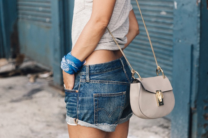 Ladies_In_Levis-Shorts-Meatpacking-Party-New_York-Collage_Vintage-Outfit-19