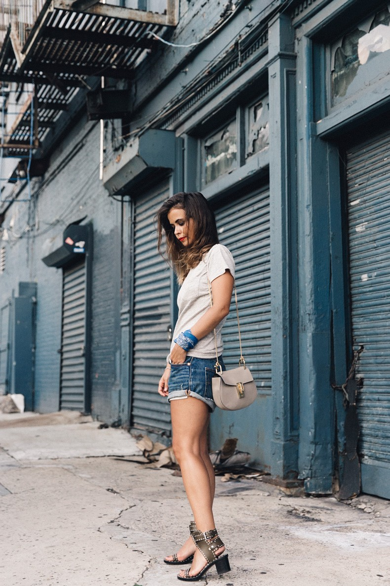 Ladies_In_Levis-Shorts-Meatpacking-Party-New_York-Collage_Vintage-Outfit-29