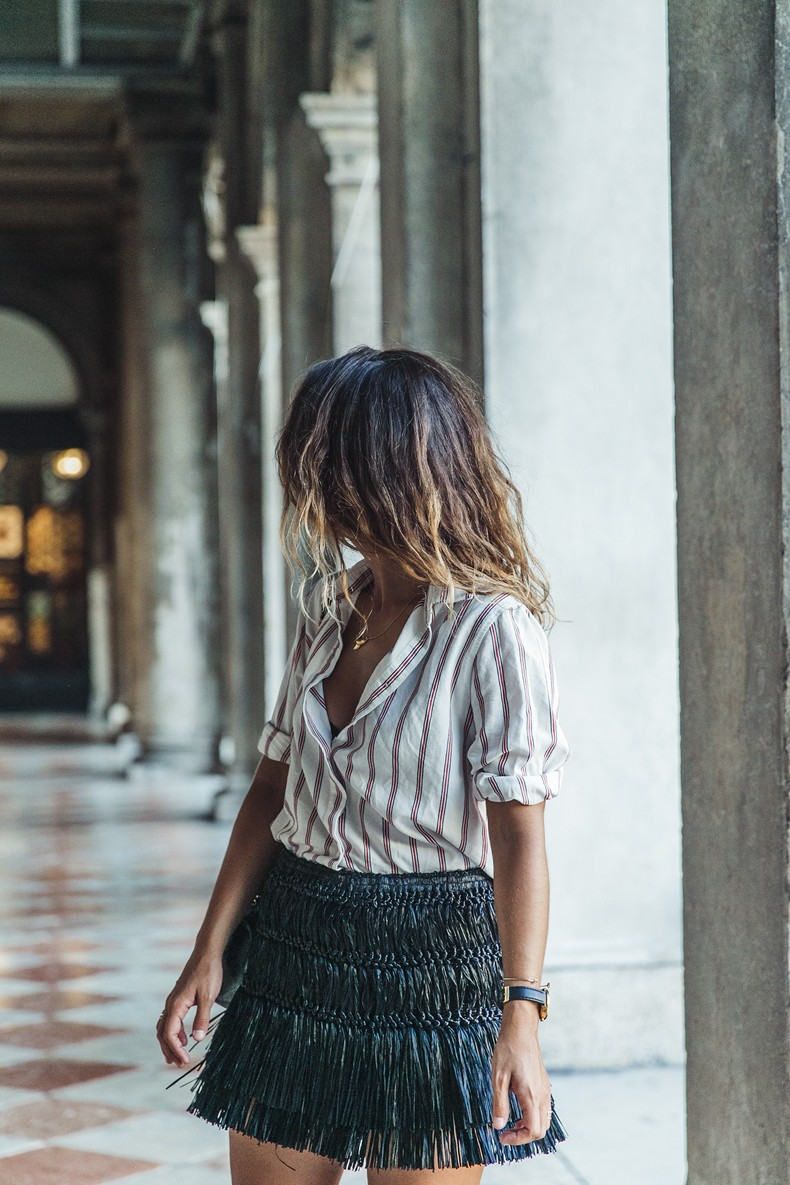 Piazza_San_Marco-Venezia-Collage_On_The_Road-Isabel_Marant_Skirt-Striped_Blouse-Chanel_Vintage_Bag-Outfit-Street_Style-43
