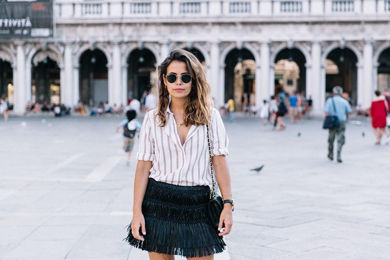 Piazza_San_Marco-Venezia-Collage_On_The_Road-Isabel_Marant_Skirt-Striped_Blouse-Chanel_Vintage_Bag-Outfit-Street_Style-5