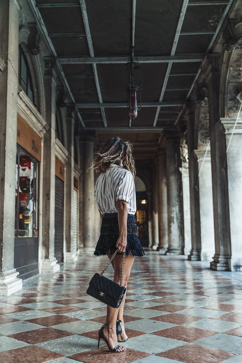 Piazza_San_Marco-Venezia-Collage_On_The_Road-Isabel_Marant_Skirt-Striped_Blouse-Chanel_Vintage_Bag-Outfit-Street_Style-57